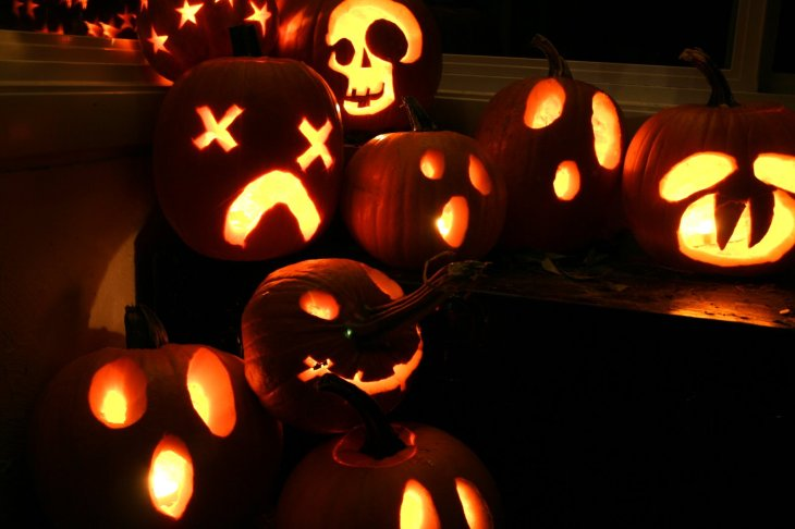 Jack_o_lanterns_group