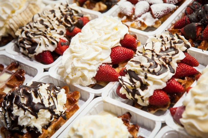 belgian_waffles_toppings